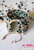 Manchette Square Beads